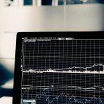 Štyri dôležité rozhodnutia pri obchodovaní s akciami
