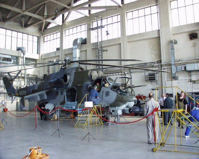 Oprava Mi-24 v Leteckých opravovniach LOM Praha