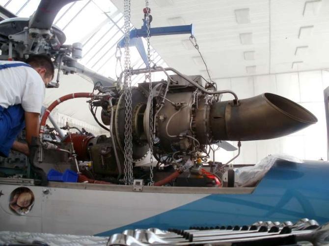DSA: Demontáž motora Eurocopter EC 120B OM-JOP