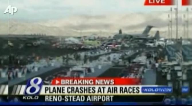 Letecké závody Reno, Nevada, USA: 9 mŕtvych a 56 zranených pri havárii lietadla