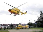 Lewis Hamilton (Veľká Británia) McLaren je odvážaný helikoptérou do nemocnice. Majstrovstvá sveta Formuly jedna, Veľká cena Nemecka, kvalifikácia v Nurburgringu, 21. júla 2007.